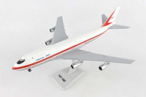 Boeing House Boeing 747-100 N7470  with gear & Stand Hogan HG11014G scale 1-200