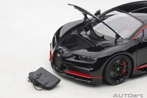Bugatti Chiron 2017 nocturne black with red accents AUTOart 70991 scale 1:18