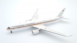 Bundesrepublik Deutschland A350-900 10+03 German Air Force with stand Aviation400 AV4074 scale 1:400