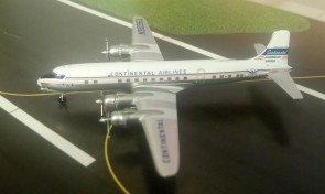 Continental Airlines (American) DC-6 N90962 die-cast Aeroclassics AC19477 Scale 1400