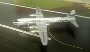 Continental Airlines (United) DC-6 N90961 die-cast Aeroclassics AC19475 Scale 1:400