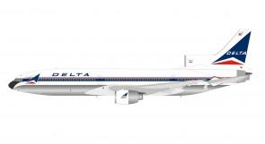Delta Air Lines Lockheed L-1011 N740DA Widget with stand B-Models/InFlight B-1011-DL-19P scale 1:200