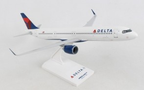 Delta Airbus A321Neo Skymarks SKR1084 with stand scale 1:150