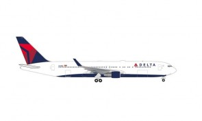 Delta Boeing 767-300 Herpa Wings 535335 scale 1:500