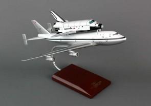 Executive Series Endeavor B-747 With Shuttle E80200 Scale 1:200