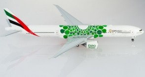 Emirates Boeing 777-300 A6-ENB Expo 2020 Green Sustainability Herpa 570664 scale 1:200