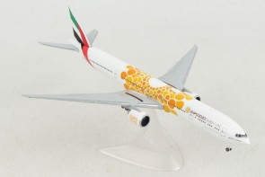 Emirates Boeing 777-300ER A6-ECD Orange Opportunity livery Dubai Expo 2020 Herpa 533539 scale 1:500