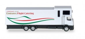 Emirates Flight Catering Truck Airbus A380 Herpa 559607 scale 1:200