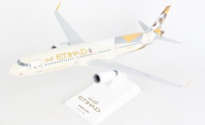 Etihad Airbus A321 A6-AED with stand Skymarks SKR1071 scale 1:150