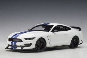 Ford Shelby Mustang GT-350R Oxford White w/Lightning Blue Stripes AUTOart 72931 scale 1:18