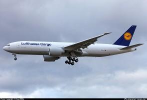 Lufthansa Cargo Boeing 777-200F Reg# D-ALFA Gemini 200 G2DLH486 Scale 1:200