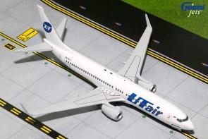 UTair Boeing B737-800(S)  w/ Scimitars Reg# VQ-BJJ Gemini Jets G2UTA618 Scale 1:200