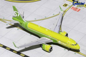 S7 Airlines siberia Airbus A320neo registration: VQ-BCF Gemini Jets GJSBI1699 scale 1:400