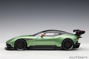 Green Aston Martin Vulcan Apple Tree Green Metallic AUTOart 70263 die-cast scale 1:18