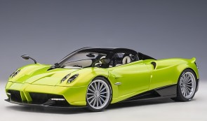 Green Red Pagani Huayra Verde Firenze/Pearl Green 78288 AUTOart scale 1:18