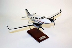 Beechcraft King C90 GTX Executive Resin Crafted Model H12332 Scale 1:32