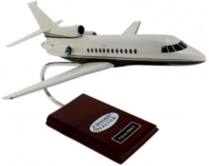 Falcon 900ex Executive Resin Crafted Model H15148 KF900t Scale 1:48