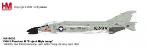 "US Navy F-4H-1 Phantom II ""Project High Jump,"" USN Test Pilot Cdr. John Watts Young, April 1962 Hobby Master HA19032W scale 1:72"