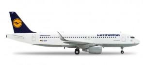 Lufthansa A320 Reg# D-AIZP W/Sharklets HE556132 1:200
