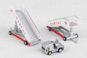 Qantas Historic Passenger Stairs Herpa Wings accessories 571005 scale 1:200