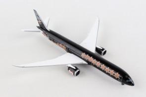 Herpa Christmas plane Boeing B787-10 Herpa wings 531740 scale 1:500