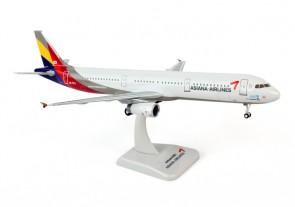 Asiana A321 Reg# HL7711 W/Gear, Hogan HG0588G, 1:200