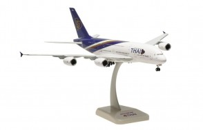 Thai Airbus A380 Hogan with stand and gears HG0953GR scale 1:200