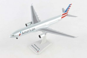 American Airbus A330-300 N278AY with gears Hogan HG10994G scale 1-200 eztoys