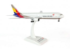 Hogan Asiana Boeing 767-300ER W/Gear Hogan HL7248 Scale 1:200