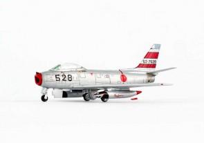 JASDF Sablre F-86F 62-7528 die-cast Hogan HG7563 Scale 1:200