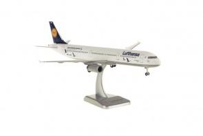 Lufthansa Airbus A321 Bingen Reg# D-AIRR Gears & Stand by Hogan HGLH52 Scale 1:200