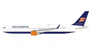 Icelandair Boeing 767-300 TF-ISN with stand die-cast InFlight IF763FI0821 scale 1:200
