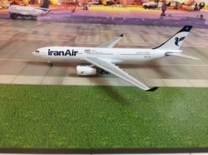 Iran Air Airbus A330-200 Reg# EP-IJA Phoenix 11373 Die-Cast Scale 1:400