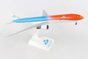 KLM Boeing 777-300ER Orange Pride W/Gears and /Stand Skymarks SKR972 Scale 1:200