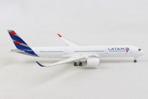 Latam Airbus A350-900 Chile-Brazil PR-XTD Herpa Wings 532754 scale 1:500