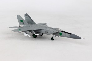 Libyan Air Force Mig-25 6716 1025th Aerial Squadron Al Jafra AB Mikoyan Gurevich Mig-25PDS Herpa Wings 558907  Scale 1:200