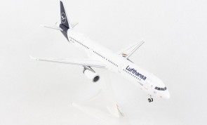 "Lufthansa Airbus A321 D-AIRY ""The Mouse"" New Livery Herpa Wings 559959 scale 1:200"