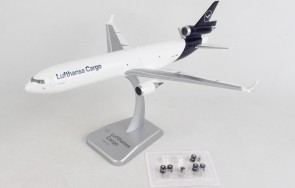 Lufthansa Cargo MD-11 new livery D-ALCD with gears and stand Hogan HGDLH011 Scale 1-200