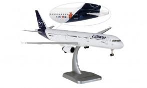 """Lufthansa """"Flensburg"""" Airbus A321 Bingen D-AIRY gears & stand Hogan HGDLH016 scale 1:200"""