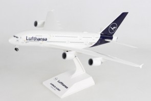 Lufthansa New Livery A380 D-AIMB Stand and Gears Skymarks SKR1032 Scale 1-200