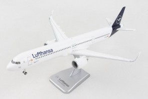 Lufthansa new livery Airbus A321 D-AIEA Winglets with gears & stand Hogan HGDLH014 scale 1:200