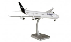 Lufthansa New Livery Airbus A340-300 D-AIFD with gears & stand Hogan HGDLH013 scale 1:200
