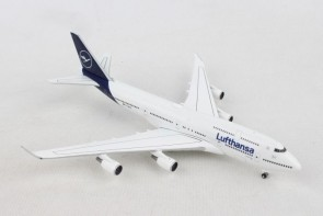 "Lufthansa New Livery Boeing 747-400 ""Kiel"" D-ABVM Herpa 532761 scale 1:500"