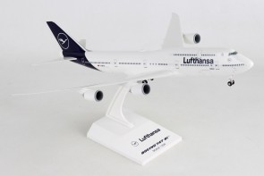 Lufthansa New Livery Boeing 747-8i D-ABYA intercontinental with gears Skymarks SKR1040 Scale 1-200