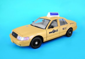 NYC Vehicles NYC Taxi Ford Crown Victoria NY73337 1:24