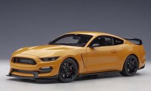 Orange Ford Shelby Mustang GT-350R Fury Orange AUTOart 72929 scale 1:18