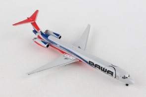 PAWA Dominicana Douglas MD-83 HI989 die-cast Herpa 531603 scale 1:500