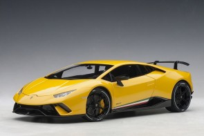 Pearl Yellow Lamborghini Huracan Performante AUTOart 79155 scale 1:18