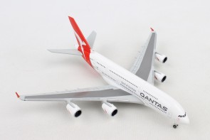 Qantas Airbus A380 New livery VH-OQF Herpa 531795 scale 1:500