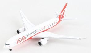 Qantas Boeing 787-9 VH-ZNJ 100 Years Dreamliner Herpa 534079 scale 1:500